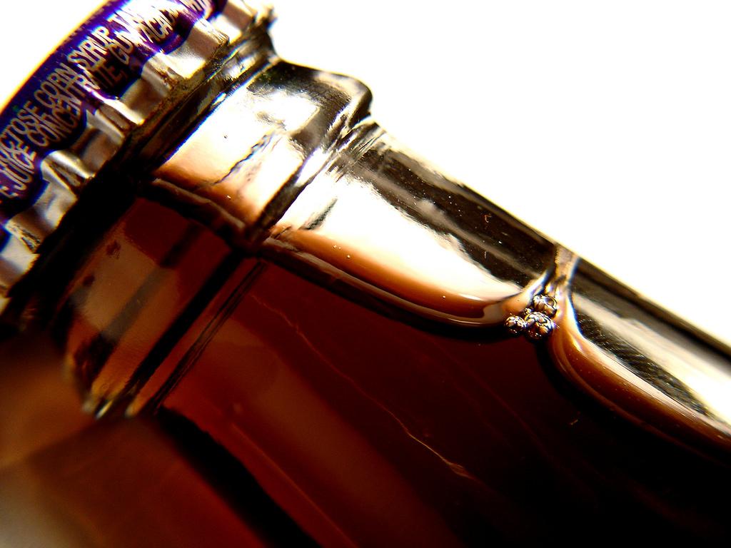 Un estudio vincula a las bebidas con accidentes cerebrovasculares y demencia, ¿qué?