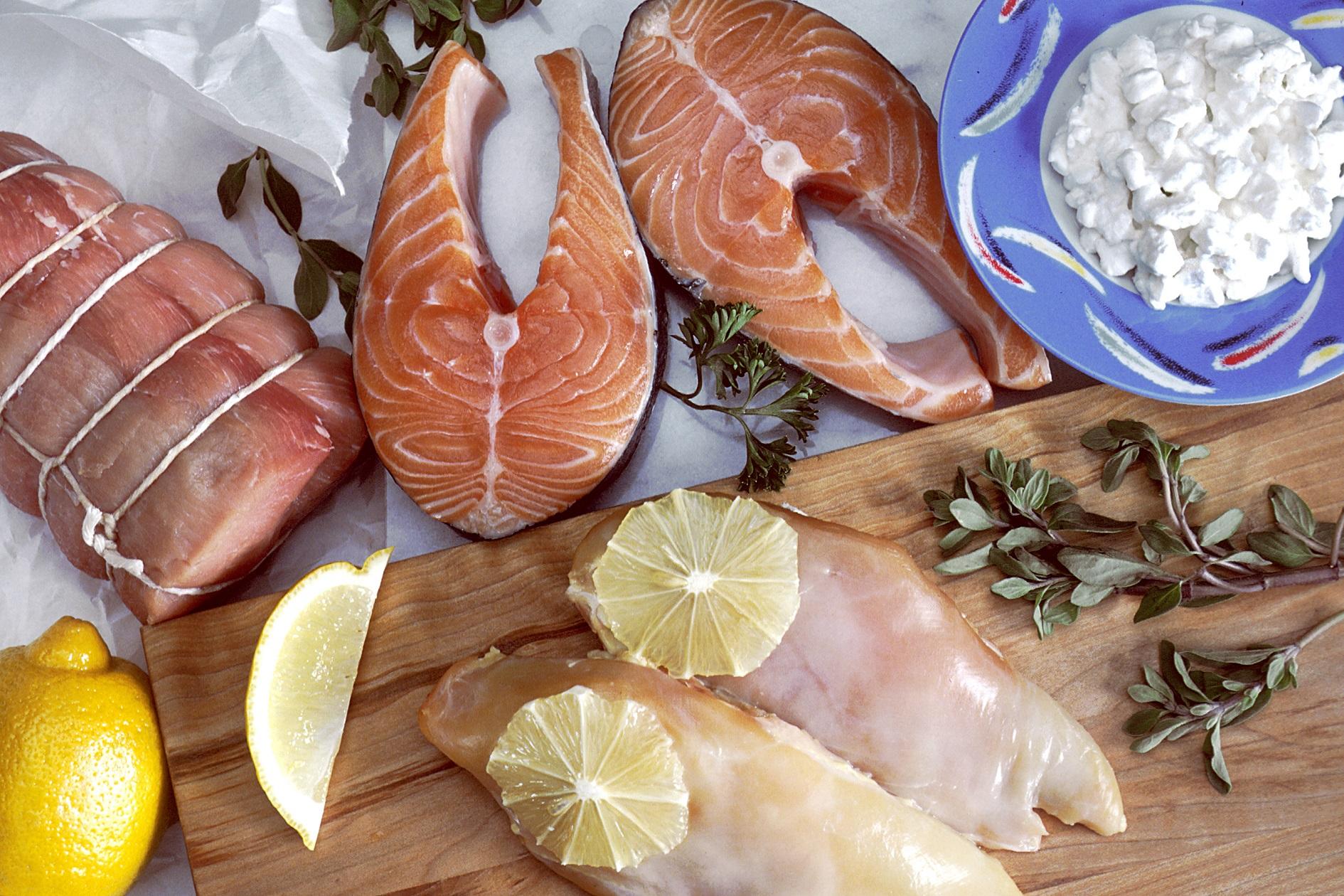 Bajar de peso y dormir mejor, comiendo proteínas