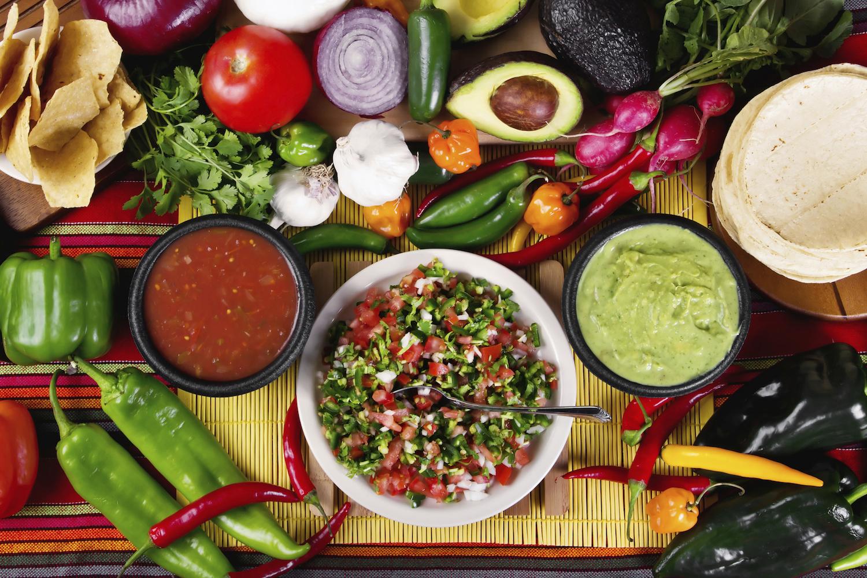 El libro de Cocina mexicana o historia gastronómica de la Ciudad de México,  de Salvador Novo